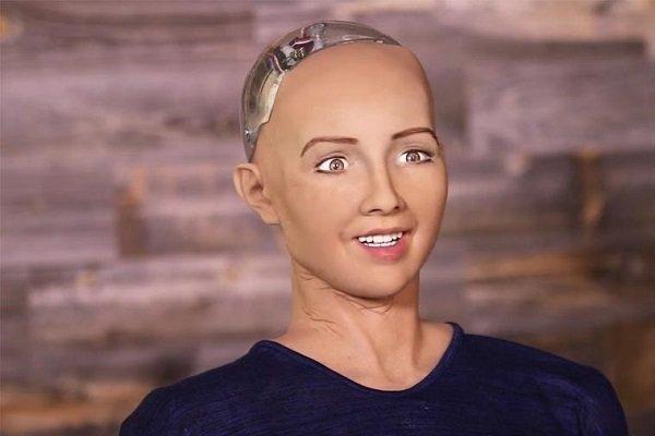 عربستان برای نخستین بار در دنیا به یک ربات حق شهروندی داد