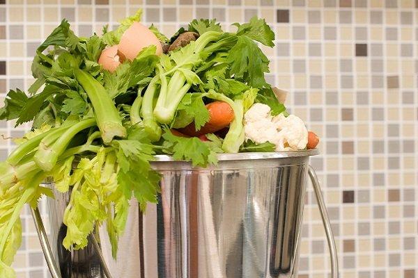 تماشا کنید: سطل آشغالی که زباله های آشپزخانه را به کود تبدیل میکند