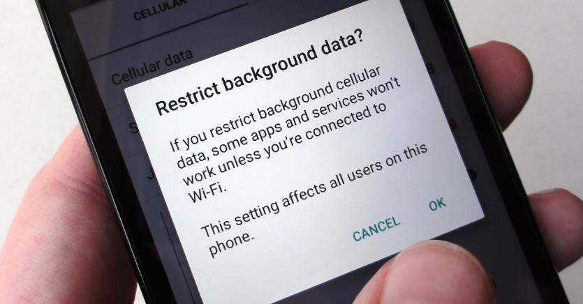 به برنامههای اندرویدی اجازه ندهید در پسزمینه گوشی به اینترنت متصل شوند