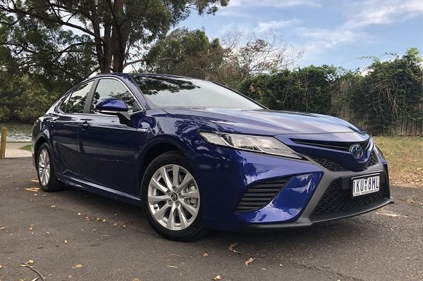 بررسی تویوتا کمری 2018 (Toyota Camry 2018)