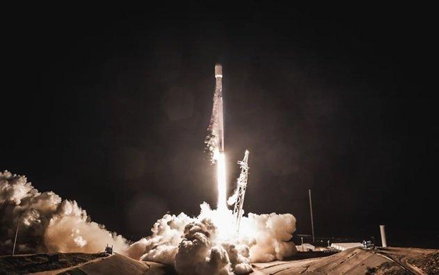 اسپیس اکس اولین ماهوارههای اینترنتی سریع خود را در مدار زمین مستقر کرد