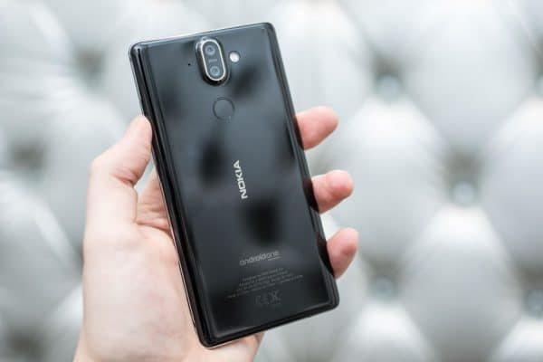 مقایسه گوشیهای Nokia 8 و Nokia 8 Sirocco