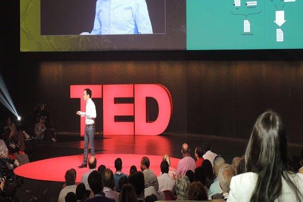 سخنرانی تد: آیا گمان میکنید ایمیل شما امن است؟ + ویدیو