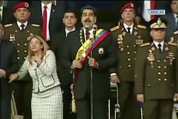 حمله با پهپاد به سخنرانی نیکلاس مادورو رئیسجمهور ونزوئلا
