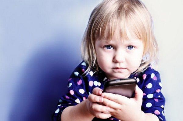 چگونه از گوشی و تبلت خود در مقابل کودکان محافظت کنید؟