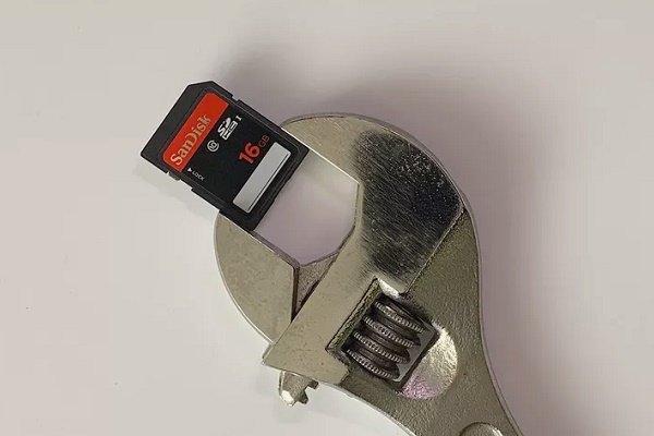 چگونه یک کارت SD خراب را ترمیم کنیم؟