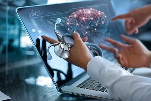 فناوریهای هوشمند بازوی کمکی پزشکان