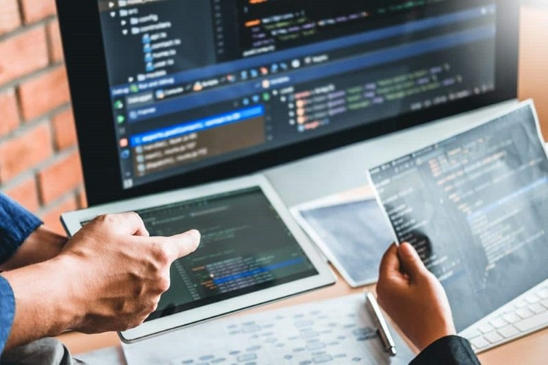 آشنایی با محبوبترین نرمافزارهای مدیریت نسخه (version control)