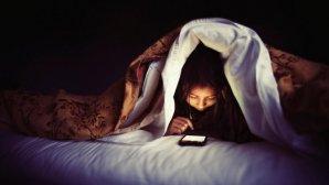 موبایل خود را مقصر عادت غلط خوابیدنتان ندانید