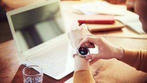 با این ساعت هوشمند میزان آب و کافئین بدنات را اندازه بگیر!