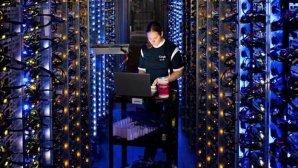 چگونه گوگل میلیاردها کد برنامهنویسی را مدیریت میکند؟
