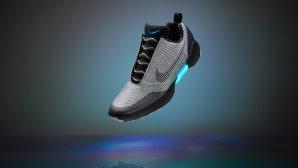 کفش نایک با قابلیت بستهشدن خودکار بندها از راه رسید + گالری عکس
