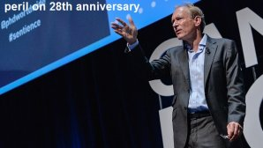 خالق وب در بیست و هشتمین سالگرد تولد وب هشدار داد