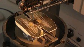 کامپیوتر کوانتومی در ابعادی فراتر از یک زمین فوتبال ساخته خواهد شد