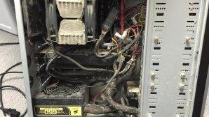 چرا دیدن عکس کامپیوترهای کثیف و خاکی هیجانانگیز است + گالری عکس