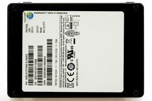 بزرگترین درایو SSD برای مراکز داده و شبکههای گسترده