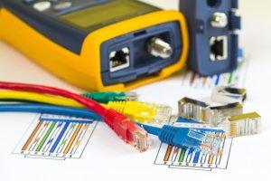 تستر شبکه و سوییچ KVM چه کاری انجام میدهد؟
