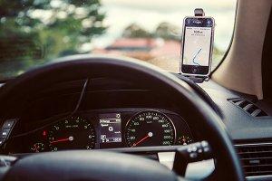 میزان پوشش اینترنت اپراتورهای تلفن همراه در محور های مواصلاتی چقدر است؟