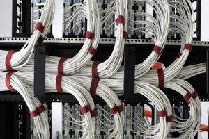 اگر طول کابل شبکه بیش از اندازه استاندارد باشد، چه مشکلاتی پیش میآید؟