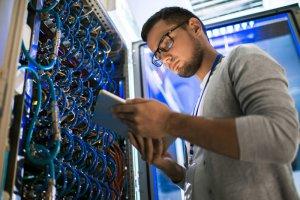 مدیر شبکه بیسیم کیست و چگونه به یک مدیر شبکه Wireless خبره تبدیل شویم؟