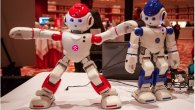 یک روبات دوست داشتنی کوچک ویژه بزرگسالان و کودکان