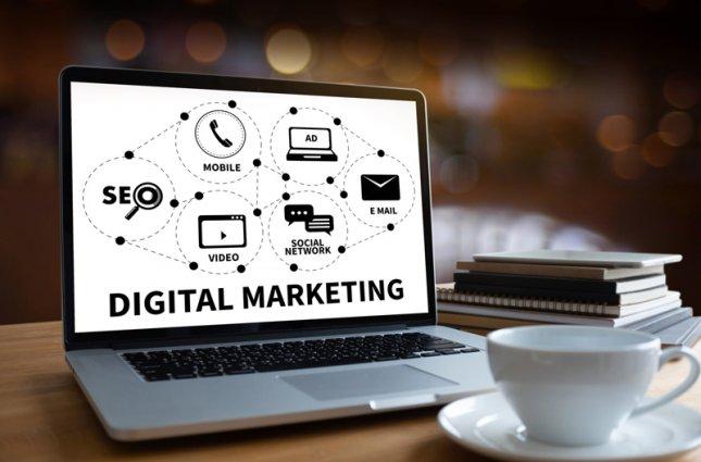 چگونه به یک بازاریاب دیجیتال تبدیل شویم؟