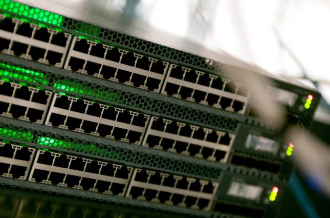 راهنمای خرید بهترین سوئیچ لایه 2 برای شبکههای متوسط تا بزرگ